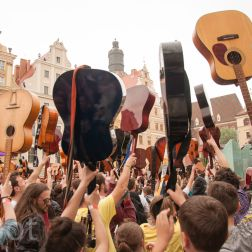 Guitar Guinnes World Records 2014